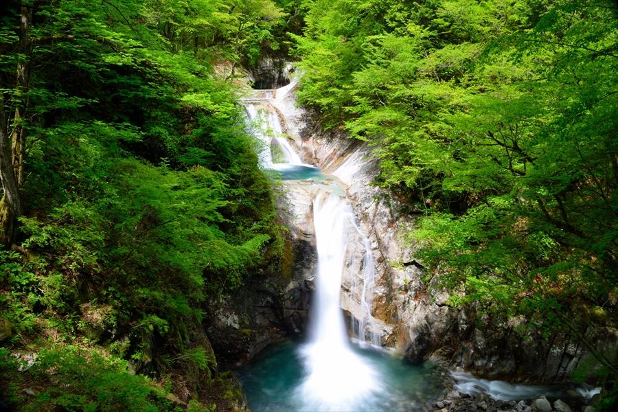 山梨県 西沢渓谷 日本を代表する絶景の滝